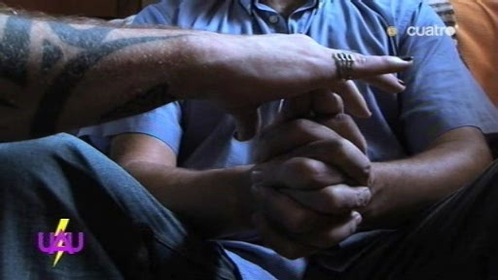 Pardo tiene que despegar las manos de un hipnotizado por él ¡¡24 horas después!!