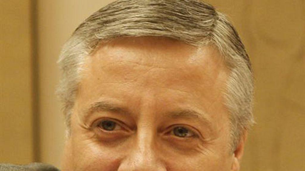 José Blanco, ministro de Fomento, ha confirmado que el Gobierno prevé encarecer las prejubilaciones.