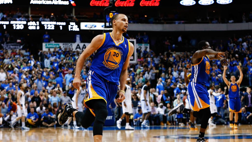 Stephen Curry saca a Dallas de los 'play-offs'