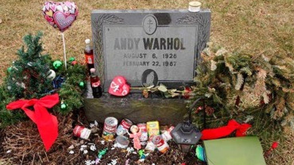 Tumba de Andy Warhol en Pittsburgh