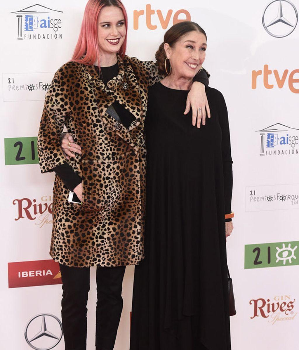 Verónica Forqué con su hija María