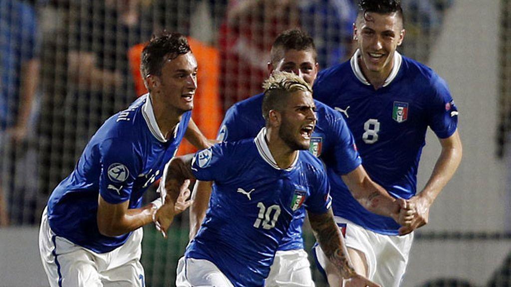 Insigne celebra el empate de Italia ante Noruega