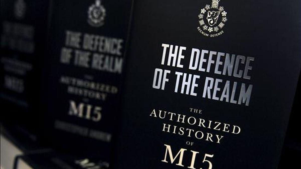 """Los servicios secretos del Reino Unido MI5 investigan una posible red de veinte agentes rusos """"ilegales"""" a raíz de la reciente detención en EEUU de diez espías en favor de Rusia, señala hoy el dominical británico """"The Sunday Times"""". EFE/Archivo"""