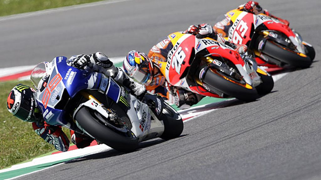 Lorenzo, Pedrosa y Márquez, en carrera