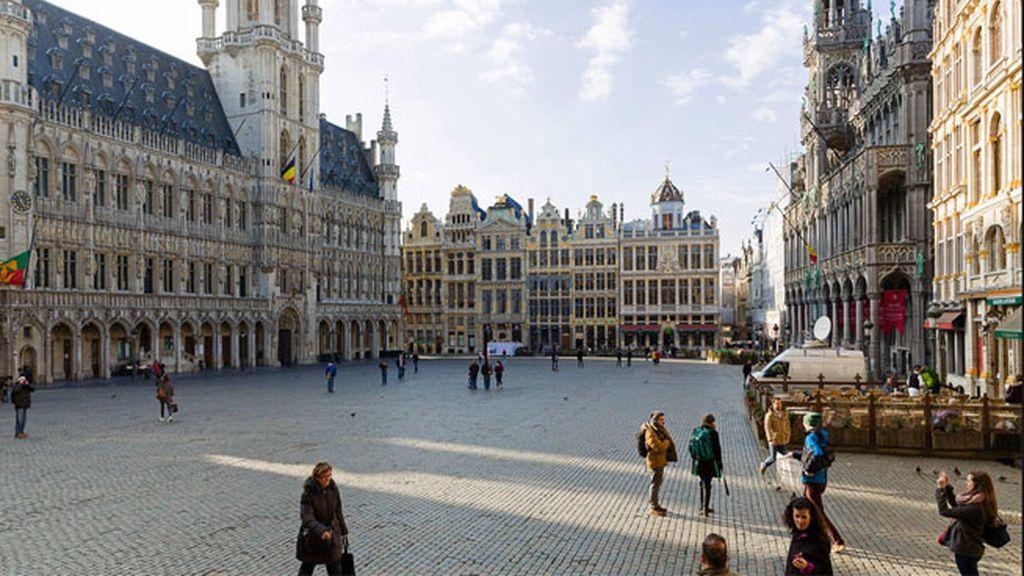 10-Bruselas: 33.01 horas de trabajo a la semana