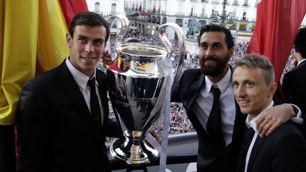Gareth Bale, Arbeloa y Luka Modric, 'junto a la Décima'