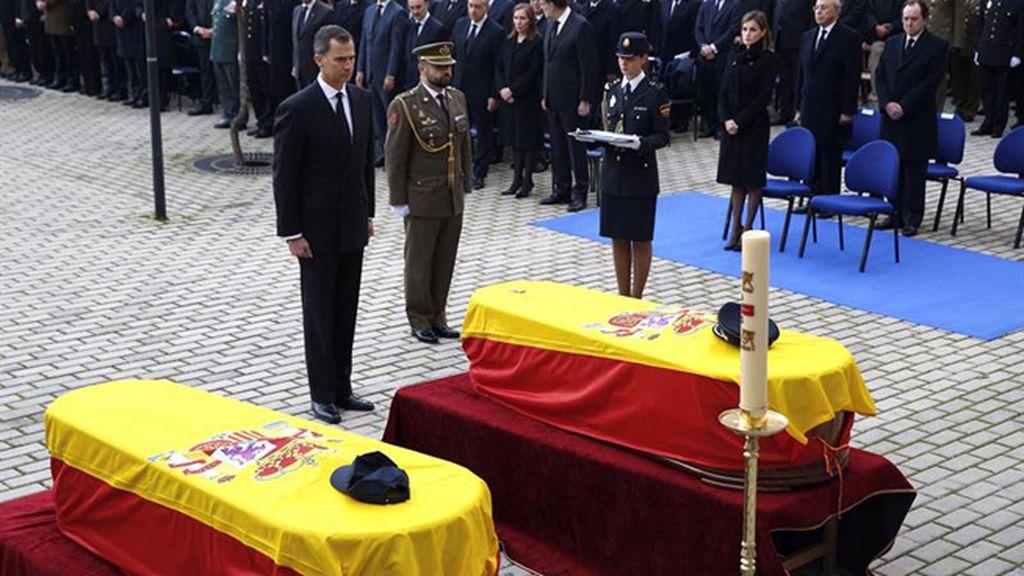 Las imágenes del funeral de Estado por los policías fallecidos en Kabul