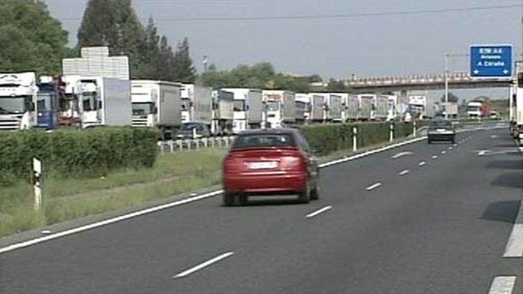 Se mantiene el caos en las carreteras