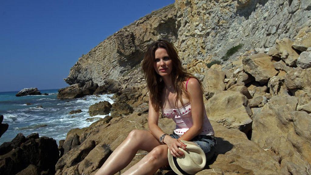 Vanesa Romero vuelve a las playas alicantinas en las que entrenaba de joven
