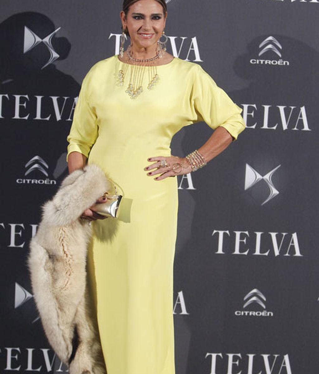 Marina Danko eligió un vestido amarillo