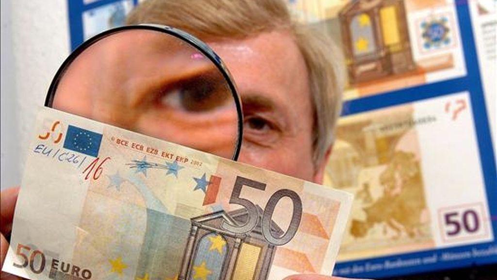 Procesan al presunto líder de la mayor red de falsificación de billetes de España