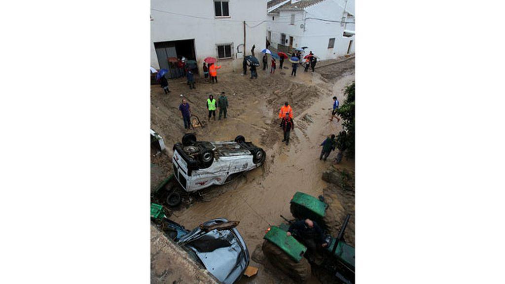 Caos en las calles e Villanueva del Rosario