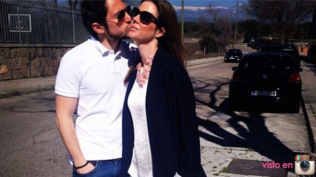 Casada con Manuel Martos, el hijo de Raphael, desde 2008