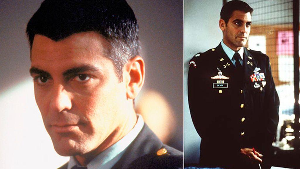 George Clooney, un irreverente oficial en busca de la verdad en 'El pacificador'