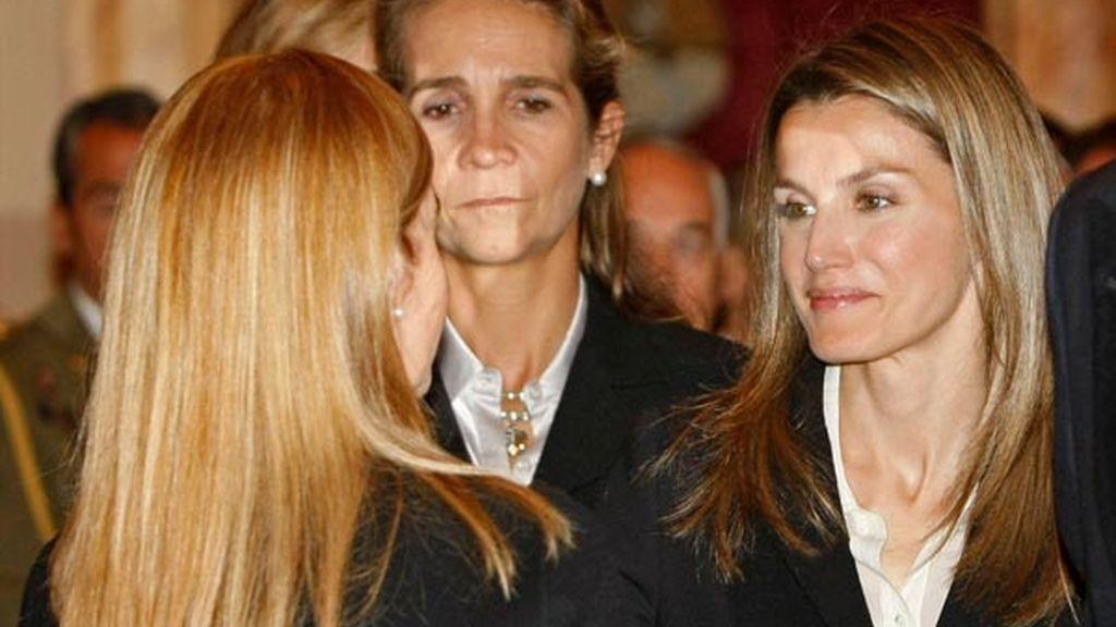 La princesa Letizia, con la viuda de Fernández Campo
