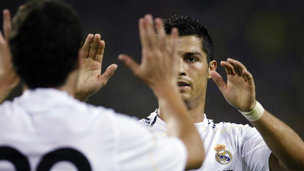 Cristiano e Higuaín marcaron por partida doble