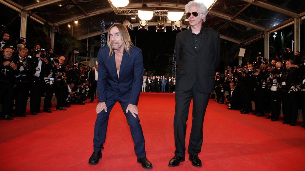 El cantante Iggy Pop pisa la alfombra roja de Cannes