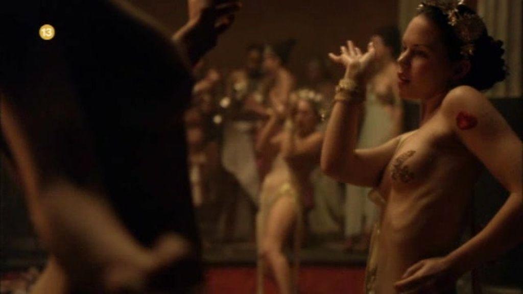 Promo Spartacus: sangra y arena. Sudor...