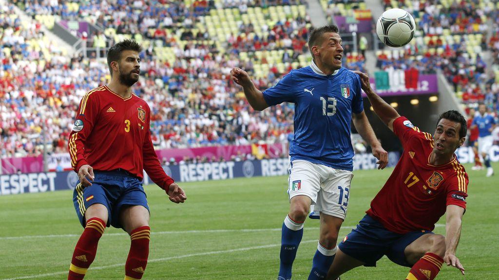 Arbeloa y Piqué frustran un ataque italiano