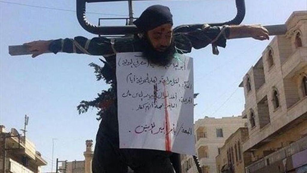 El grupo yihadista Estado Islámico ejecuta a dos de sus combatientes