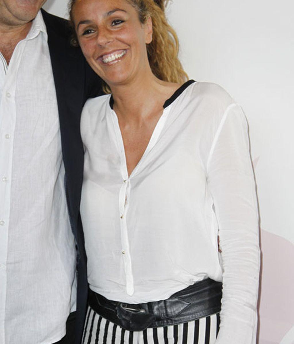 Rocío Carrasco eligió tonos blancos y negros