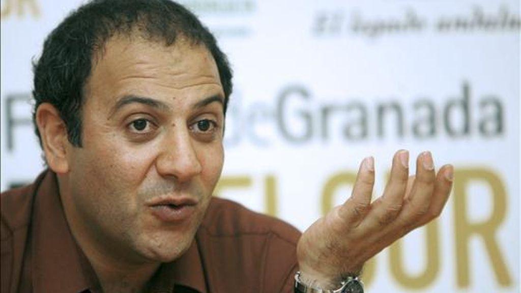 """El director de cine iraní Behnam Behzadi, durante la rueda de prensa que ofreció tras la presentación de su película """"Before the Burial"""", que participa en la sección oficial del Festival Cines del Sur, en Granada. EFE/Juan Ferreras"""