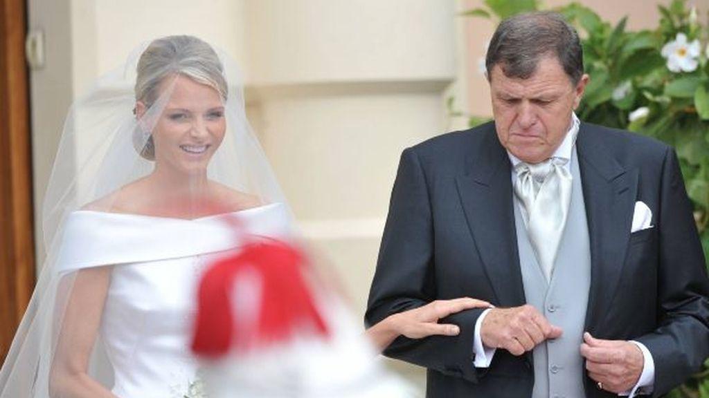 Charlene, de la mano de su padre