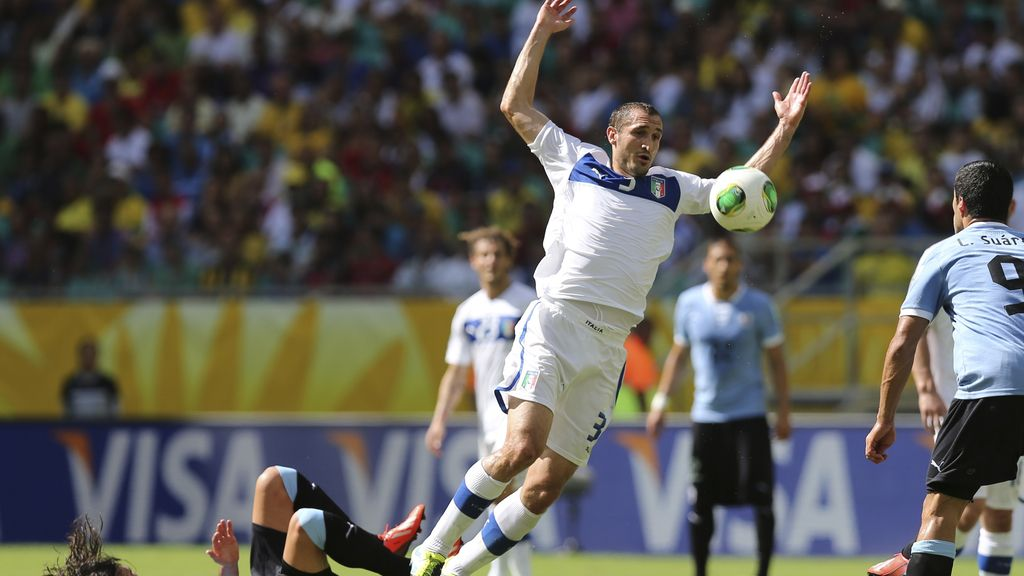 Las mejores imágenes del Uruguay-Italia