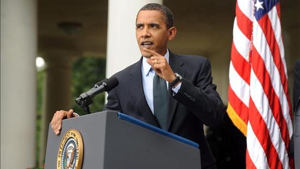 """Haciéndose eco del mensaje de Obama en los últimos días, Axelrod insistió hoy en que el acuerdo es una """"tremenda"""" victoria para la clase media y destacó la urgencia de que el Congreso extienda estos beneficios tributarios. EFE/Archivo"""