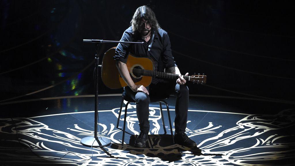 Dave Gorhl, durante su actuación en la ceremonia de los Óscar