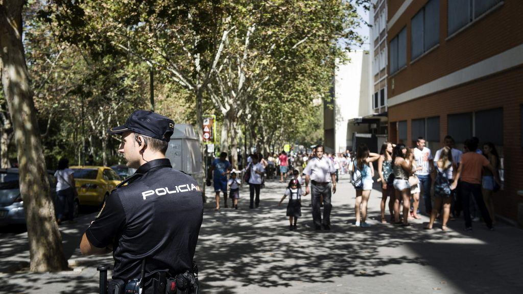 La policía vigila la vuelta al cole en Madrid