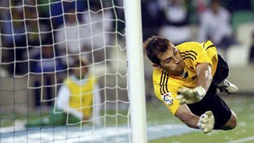 Casillas revalida su título con una ventaja de 80 puntos sobre Gianlugi Buffon. Foto: EFE/Archivo.