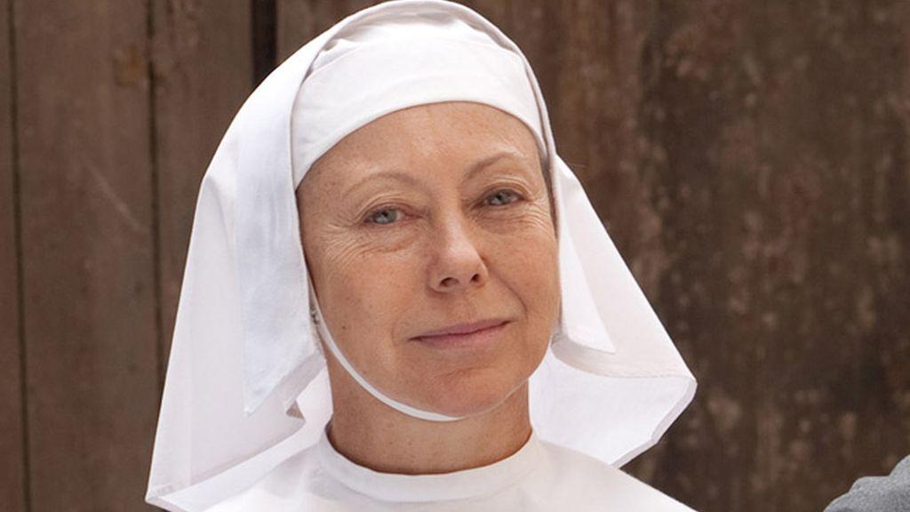 La Hermana Julienne (interpretada por Jenny Agutter)