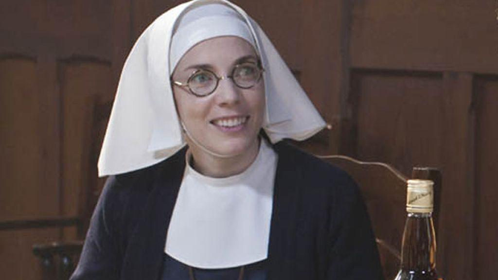 La Hermana Bernadette (interpretada por Laura Main)
