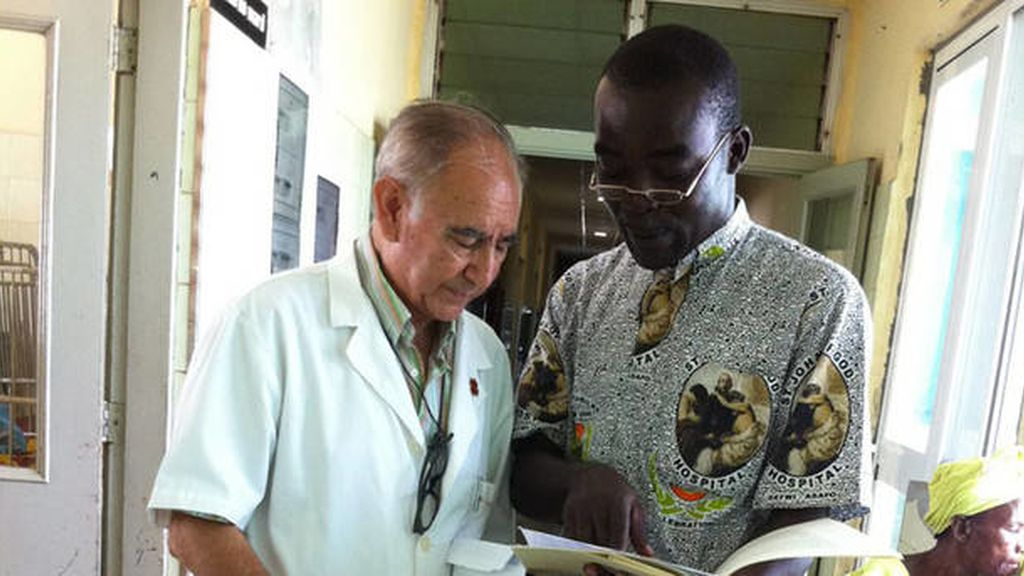 El religioso español,Miguel Pajares en Monrovia