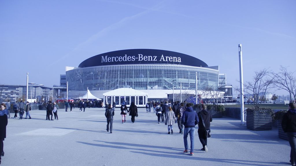 'Galería de fotos del ambientazo que hay en el evento, dentro y fuera del estadio.'