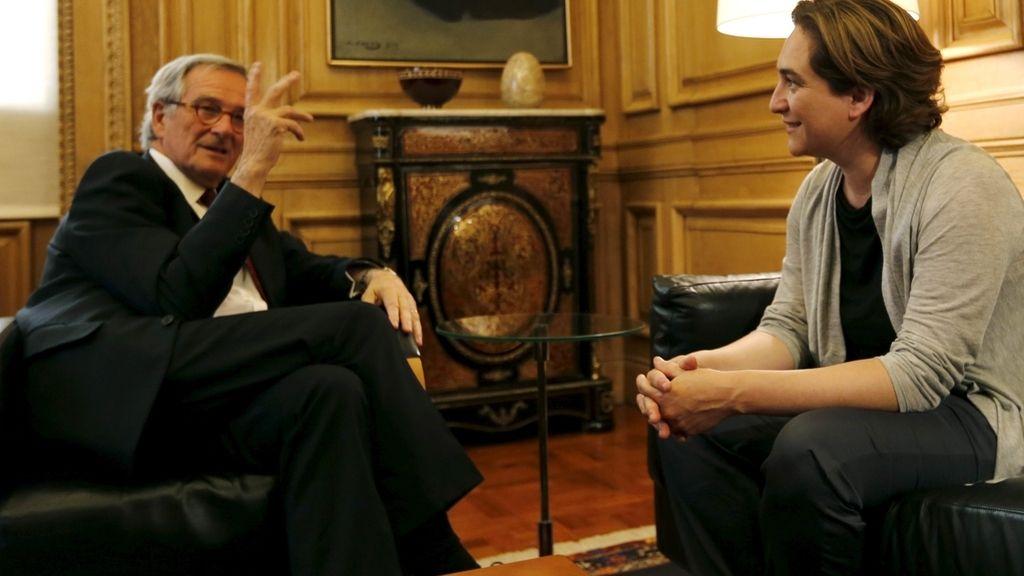 Xavier Trias y Ada Colau en el Ayuntamiento de Barcelona