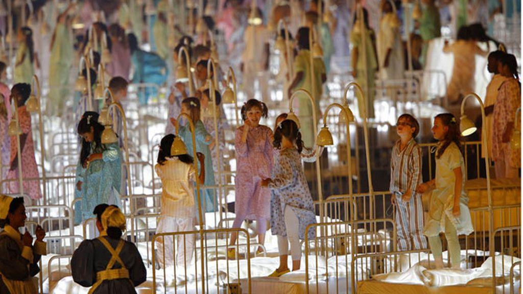 Un momento de la performers de la ceremonia inaugural de los Juegos Olímpicos de Londres 2012