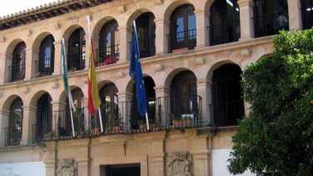 La policía registra el Ayuntamiento de Ronda