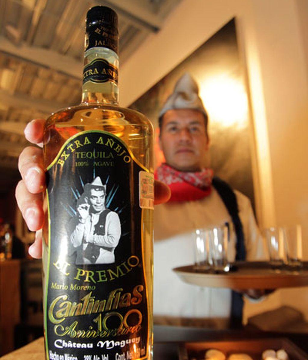 Una botella de tequila con el nombre de Cantinflas