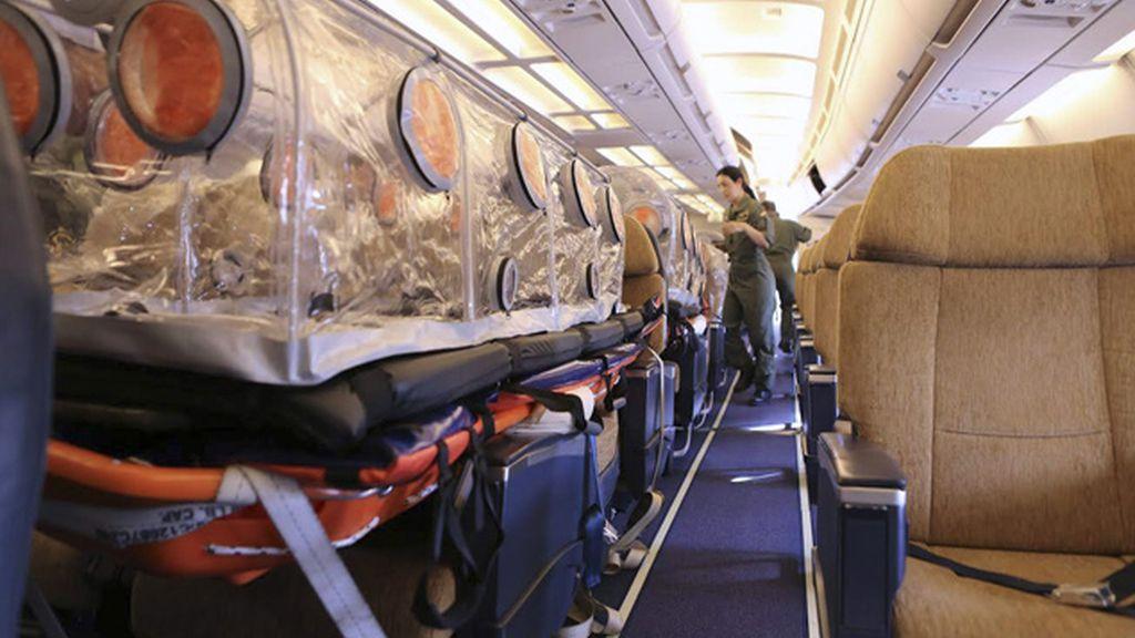 Avión medicalizado del ejército que lleva al religioso español contagiado por Ébola