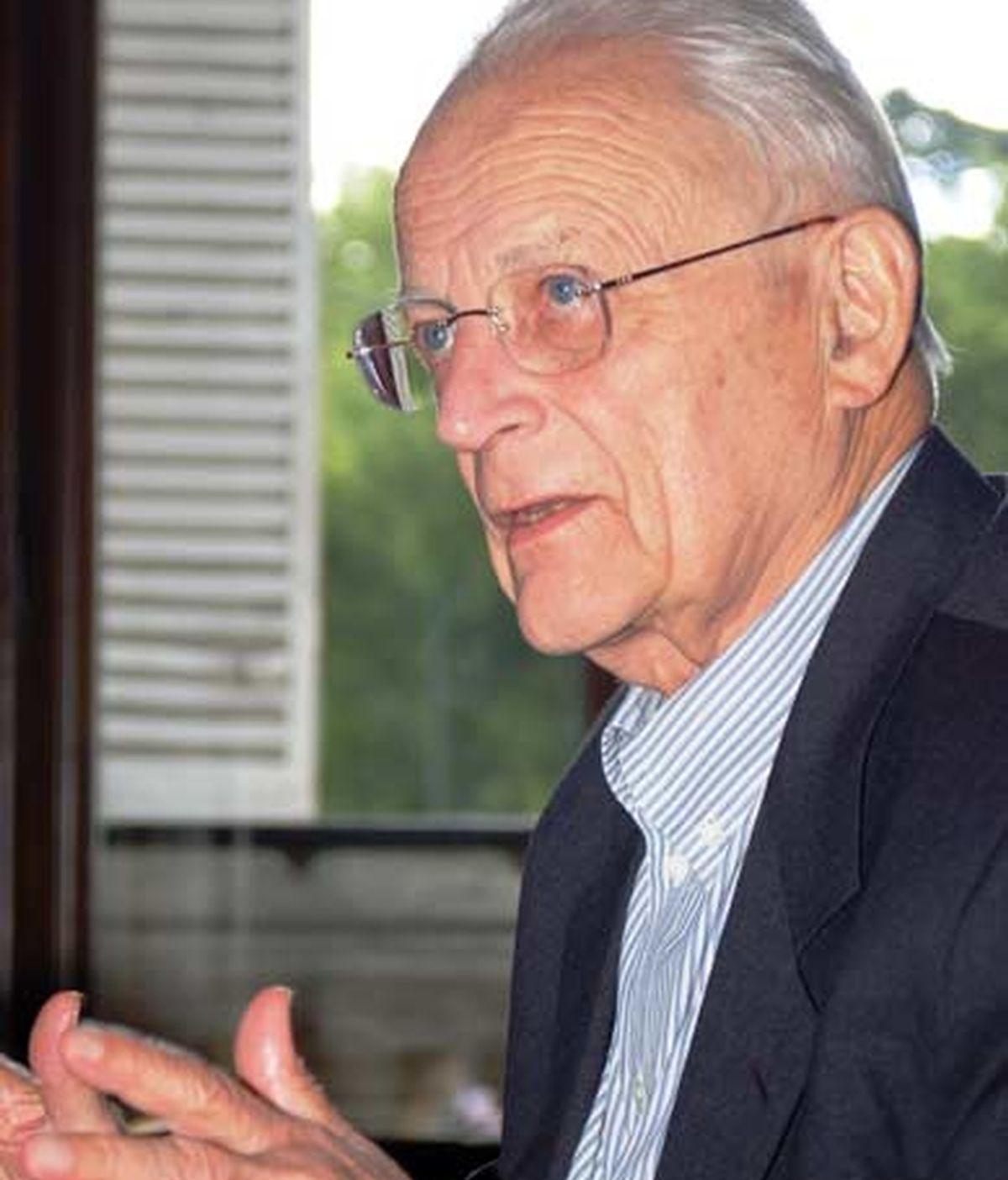 El sociólogo Alain Touraine durante la entrevista con InformativosTelecinco.com. Foto: Quieres Callarte