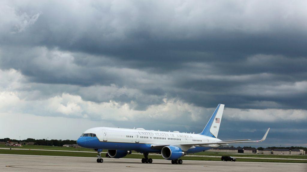 """Ordenan el cierre de la base del Air Force One por la presencia de un """"tirador activo"""""""