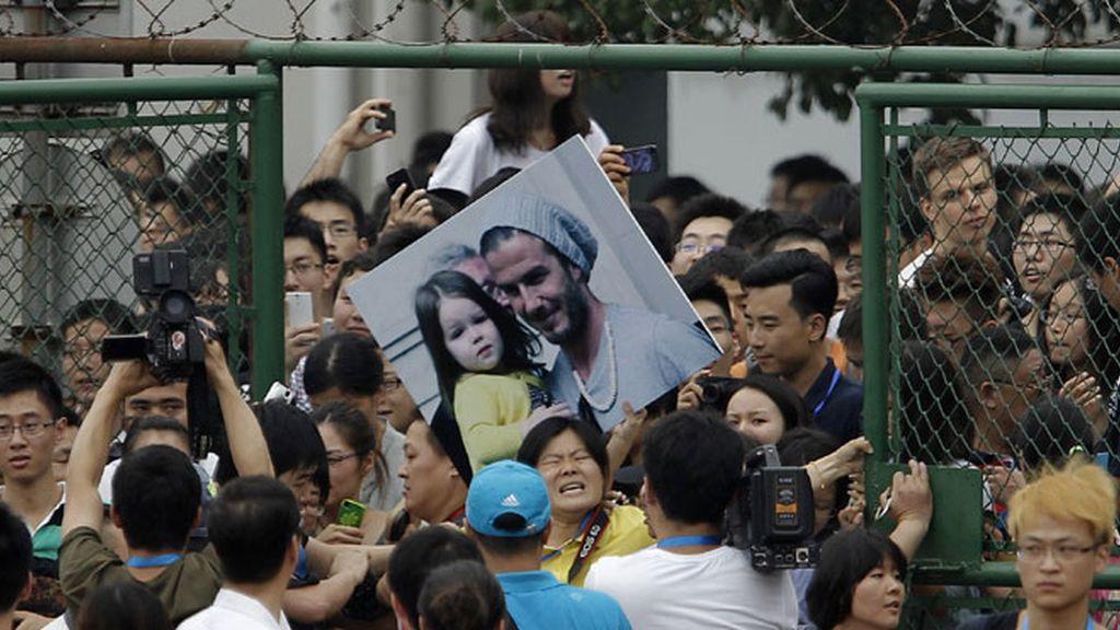 Estampida para ver a Beckham provoca cinco heridos en Shangai