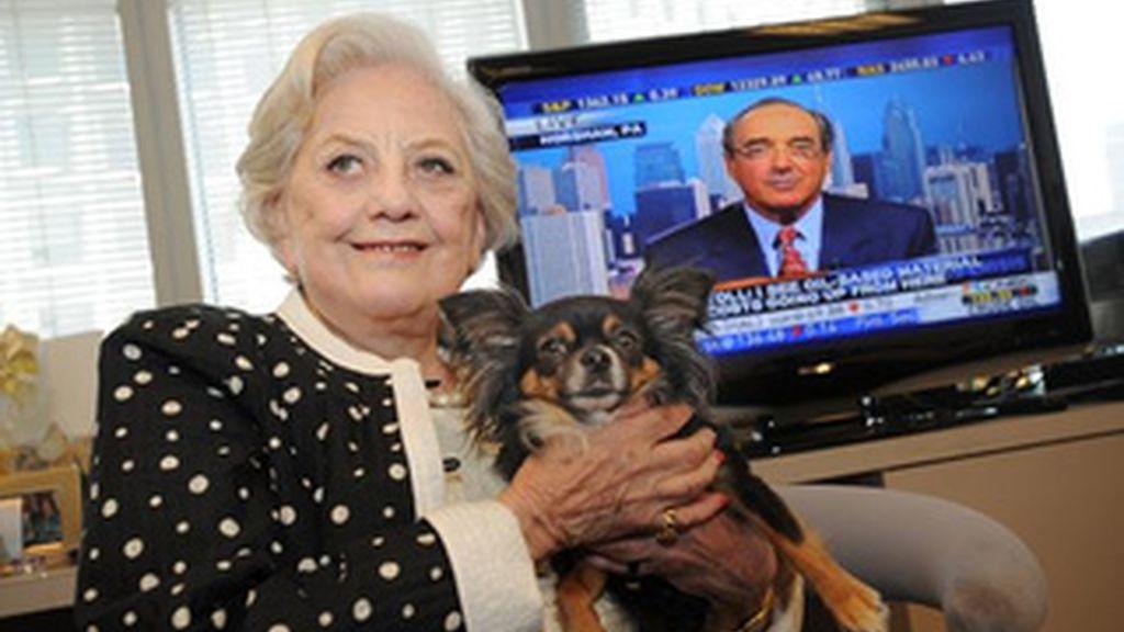 Muriel 'Mickie' Siebert deja a su perra 100.000 dólares