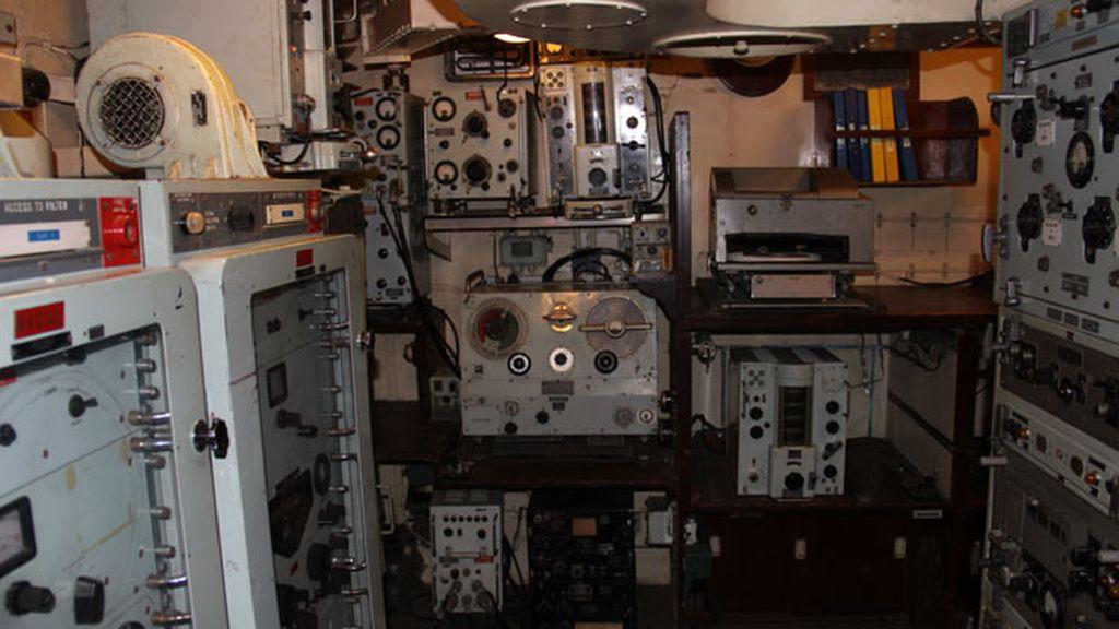 Una de las salas de control del buque