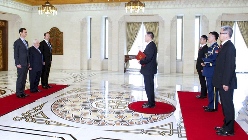 Al Assad recibe al nuevo embajador chino en Siria
