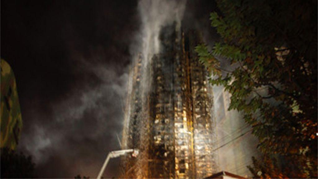 Al menos 42 muertos en un incendio en Shanghái