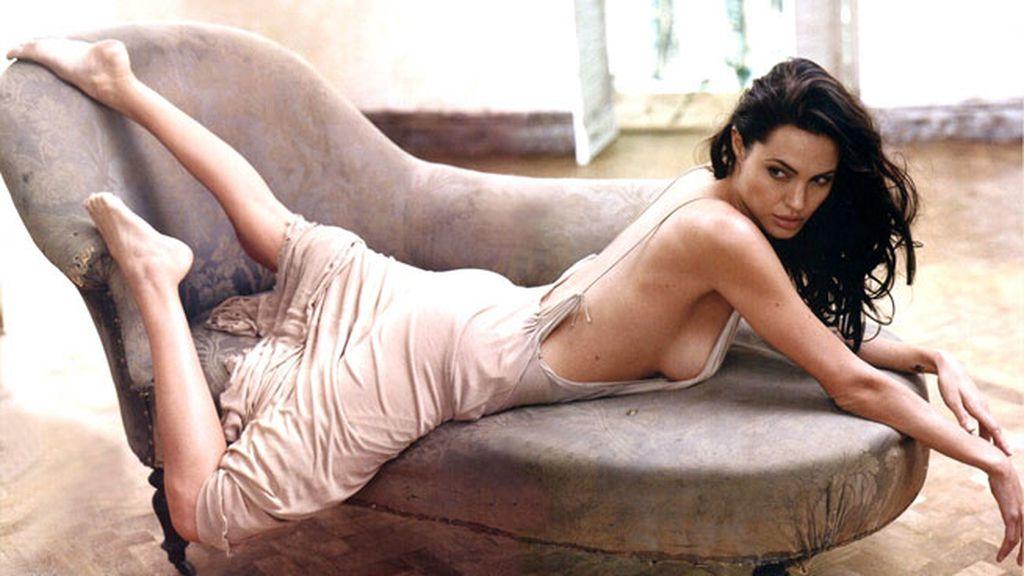 Angelina Jolie descalza, natural y sin maquillaje