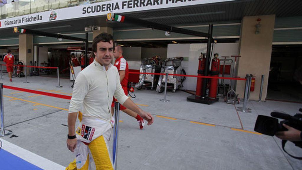 Fernando Alonso llegando a los libres